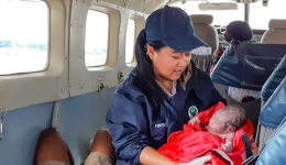 Baby born on plane in Papua, Indonesia