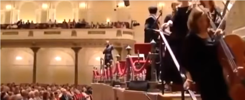 Orchestra walk out on Muslim Conductor